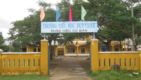 Clean water system for Duy Chau Elementary